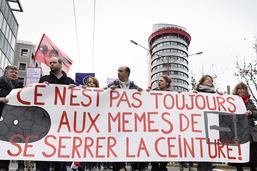 Cortège à Neuchâtel pour dénoncer les mesures d'austérité de l'Etat