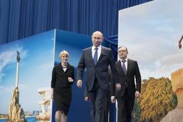 """La Crimée ne sera """"jamais"""" rendue à l'Ukraine, prévient Poutine"""