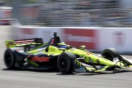 IndyCar: Bourdais remporte une course folle