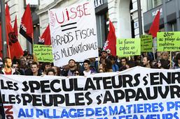 Forum et manifestation contre le pillage des matières premières
