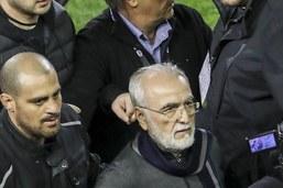 Le président du PAOK fait profil bas, la FIFA s'en mêle