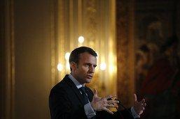 """Macron dénonce la mort """"épouvantable"""" d'une octogénaire juive"""