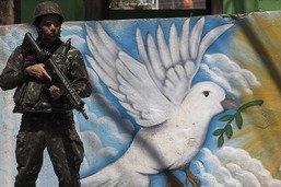 Les militaires patrouillent et resserrent l'étau dans les favelas