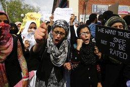 Viol collectif en Inde: les huit accusés plaident non coupable