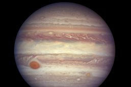 Des jets de vapeur d'eau s'échapperaient d'une des lunes de Jupiter