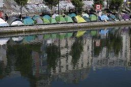 Migrants à Paris: le gouvernement veut une évacuation rapide
