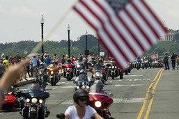 Les motards défilent à Washington pour les disparus au combat