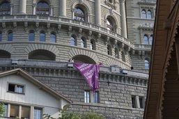 Le Conseil des Etats dit oui à un contrôle des salaires