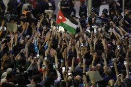 Grosses manifestations contre les hausses de prix et d'impôts en Jordanie