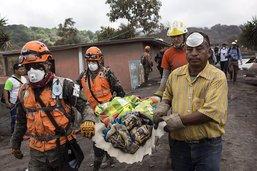 Volcán de fuego: ultimes efforts pour retrouver des corps