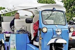 Un tuk-tuk électrique au service des seniors