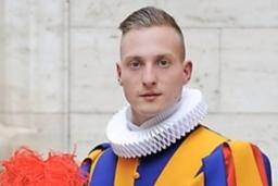 Quatre Fribourgeois parmi les nouveaux gardes pontificaux
