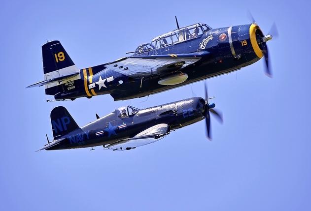 Dans l antre des fous d avions anciens - La Liberté 7f9b44d5bb2