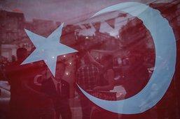 Plus de 18'000 fonctionnaires turcs limogés par un nouveau décret