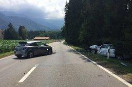Deux automobilistes hospitalisés à la suite d'une collision