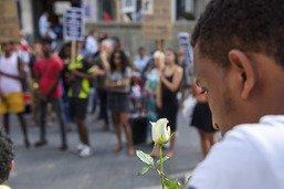 Rassemblement en mémoire d'un jeune Erythréen désespéré