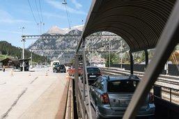 Le BLS investit dans le tunnel de faîte du Lötschberg