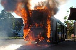 Bus de ligne détruit par le feu à Schaffhouse
