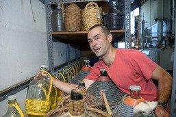 Des jeunes redynamisent une distillerie plus que centenaire