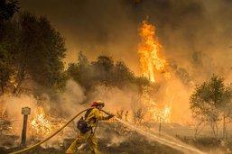Vents erratiques et sécheresse attisent les incendies de Californie