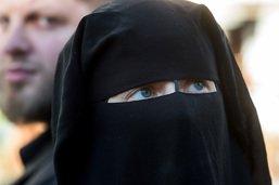 Tessin: La loi anti-burqa concerne surtout les fans de foot