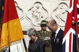 Le prince William et Theresa May commémorent la bataille d'Amiens