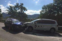 Collision entre deux véhicules à la sortie de Broc à cause d'un assoupissement