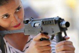 Une commission soutient l'assouplissement des exportations d'armes