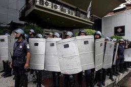 Paraguay: des fusils de la police volés et remplacés par des jouets
