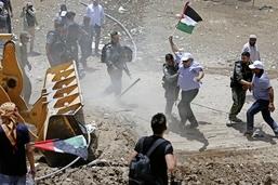 Khan al-Ahmar défie les bulldozers