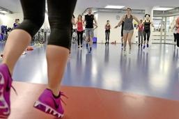 Les salles de sport bandent les muscles