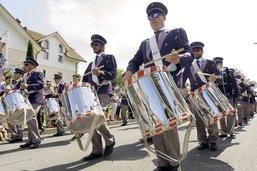 Bulle en capitale suisse des fifres et tambours