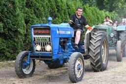 4e Rencontre de tracteurs anciens à Wallenried