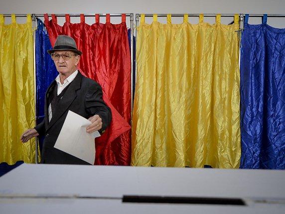 A Bucarest plusieurs bureaux de vote pour le référendum contre le mariage gay étaient déserts les rares votants rencontrés étaient des retraités