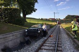 Un homme et deux fillettes grièvement blessés dans un accident