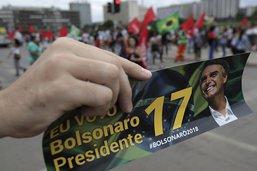 Jair Bolsonaro veut assouplir la législation sur le port d'arme
