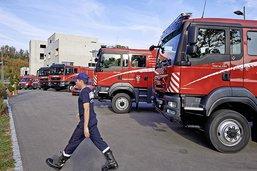 Une livraison inédite de véhicules de pompiers