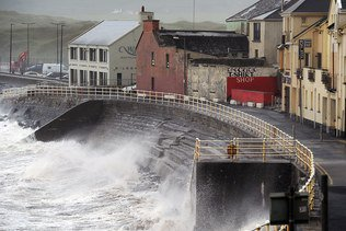 La tempête Ali fait deux morts en Irlande, dont une Suissesse