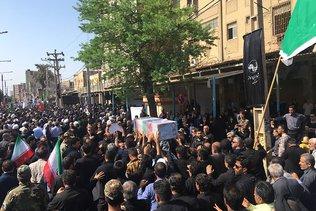 Attentat d'Ahvaz: des milliers de personnes pour les funérailles