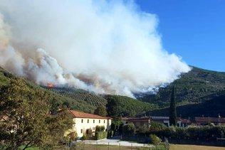 Vaste incendie en Toscane, des centaines de personnes évacuées