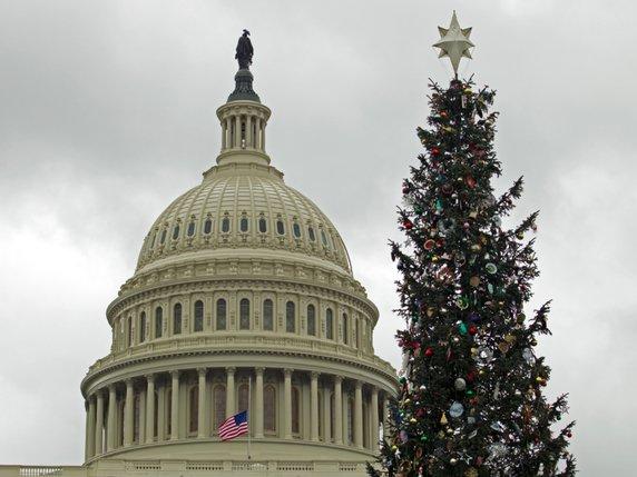 Les Jeunes Americains Preferent Bonnes Fetes A Joyeux Noel La
