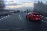 Huit véhicules accidentés sur l'autoroute A12 à Matran