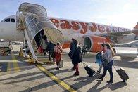 Une pétition pour bannir l'avion des voyages d'étude