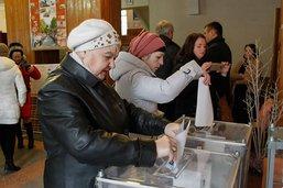 Elections séparatistes en Ukraine: les chef actuels donnés vainqueurs