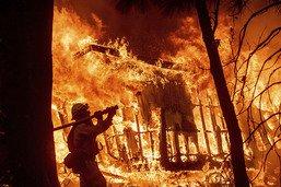 """Le bilan de l'incendie """"Camp"""" en Californie s'alourdit à 48 morts"""