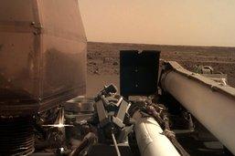 """Sur Mars, """"tout va bien"""" pour la sonde InSight pour l'instant"""