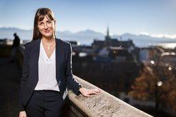 Rebecca Ruiz à la porte du Château cantonal