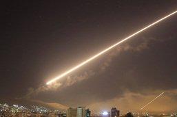 """La défense antiaérienne syrienne tire sur des """"cibles ennemies"""""""