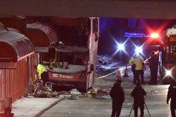 Le bus percute un abribus à Ottawa: trois morts et 23 blessés
