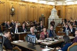 La gauche renonce au référendum contre la réforme fiscale